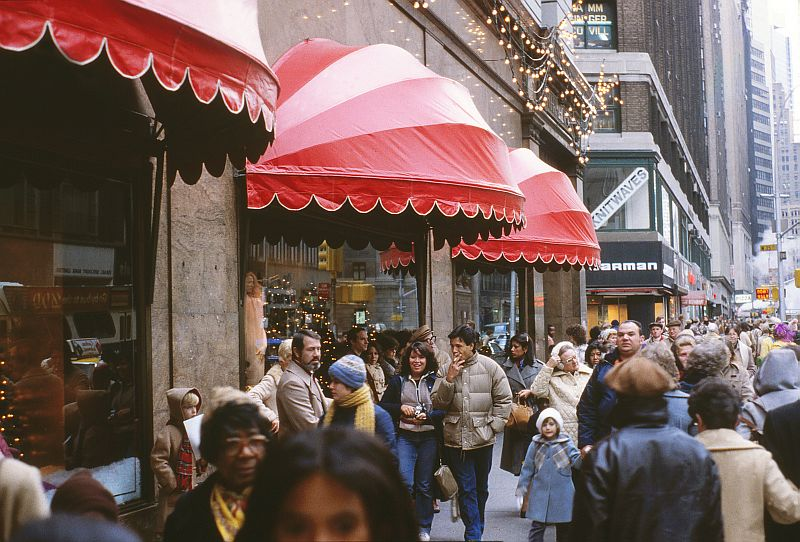 viewoftheblue artphotos   new york city   1979   part iii   macy s